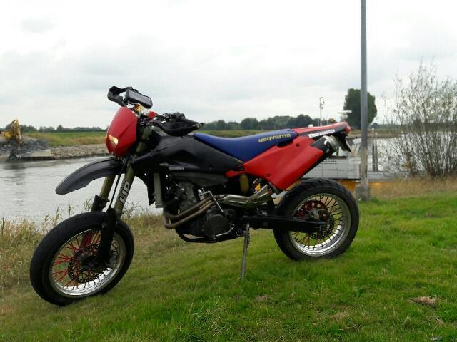 Husqvarna TE 570 supermoto