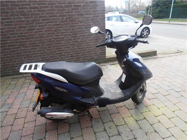 Suzuki UE 125