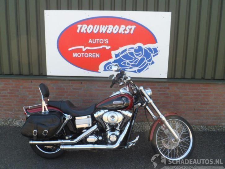 Harley-Davidson Dyna Wide Glide FXDWGI (bj 2005)