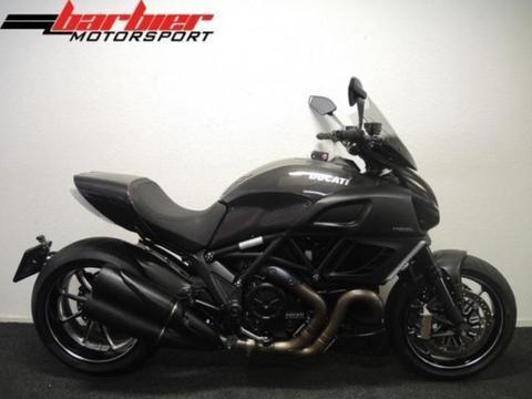 Prachtige Ducati DIAVEL CARBON ABS 2011