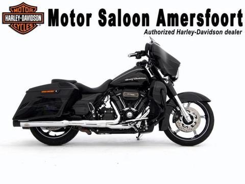 Harley-Davidson FLHXSE FLH STREET GLIDE CVO 114. BTW motor!